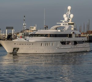 52m Motor Yacht SEAHORSE Hits Water at ICON