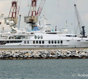 55m Superyacht OBSESSION spotted in Italy?