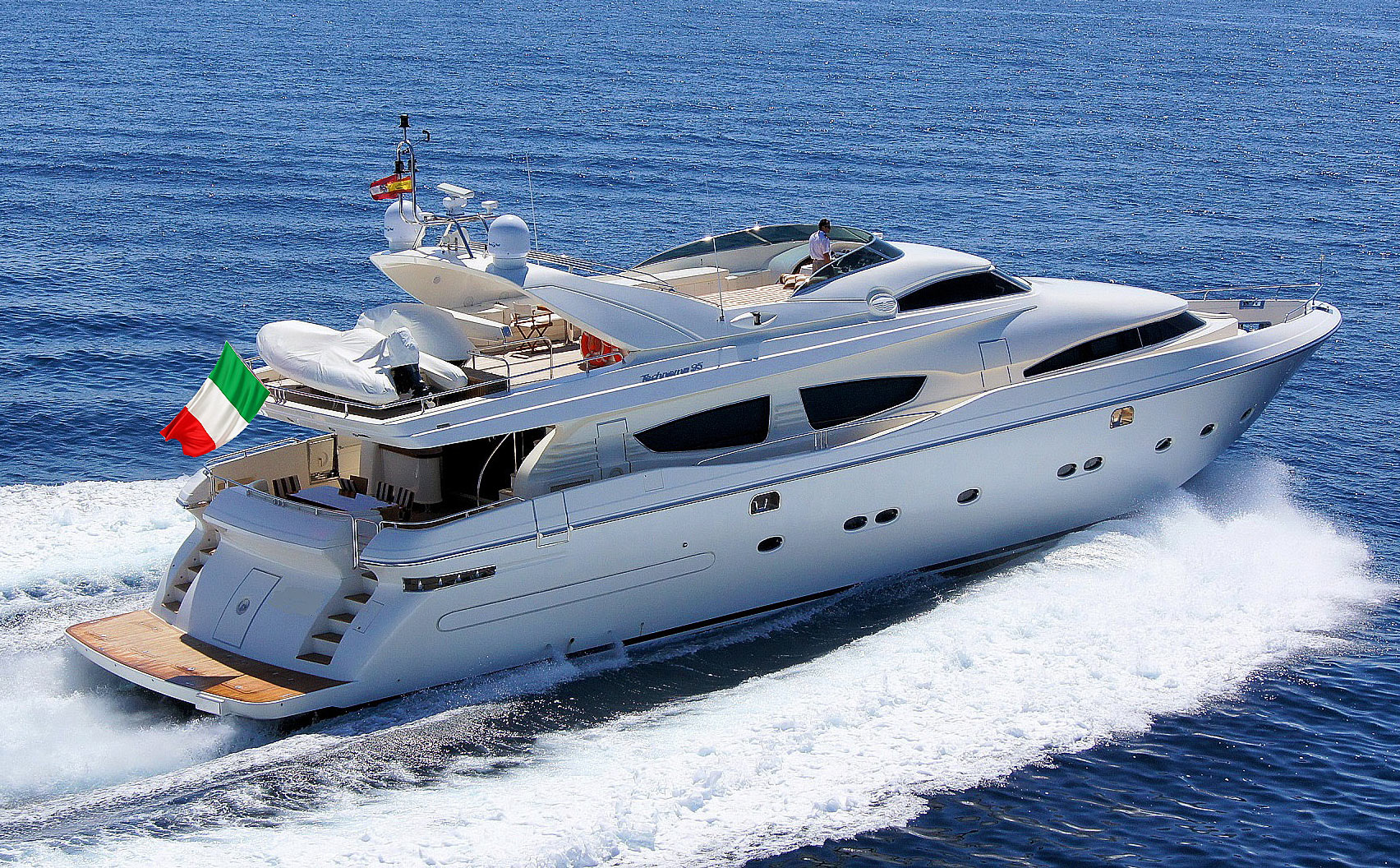 Luxury charter yacht ZAMBEZI available for charter in Italy