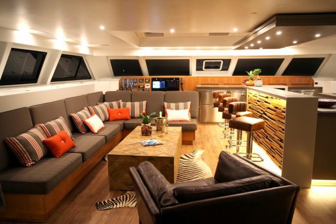Luxury catamaran OPEN OCEAN - Saloon