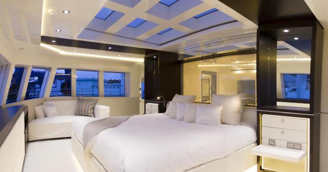Expedition yacht ENIGMA XK - Master suite