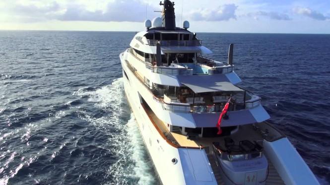 Yacht QUATTROELLE upper deck pool