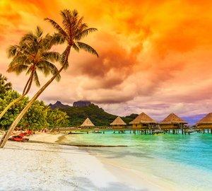 Explore Tahiti aboard charter yacht Miss Kulani