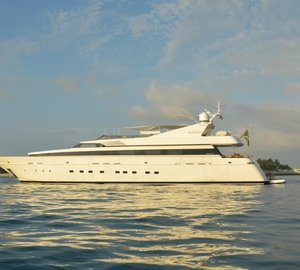 Striking superyacht Gladius available for immediate Caribbean charter
