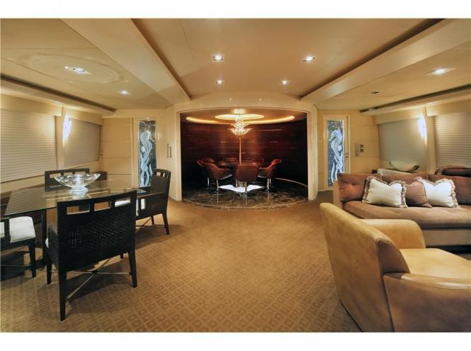 Motor yacht CHARISMA - Main salon