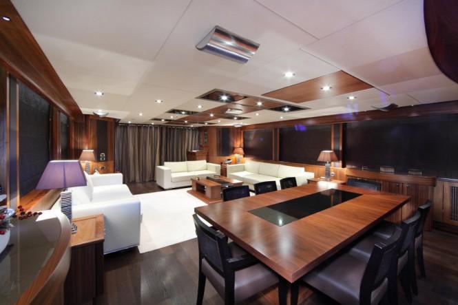 SIMPLE PLEASURE - Main salon. Photo credit: Sunseeker Yachts