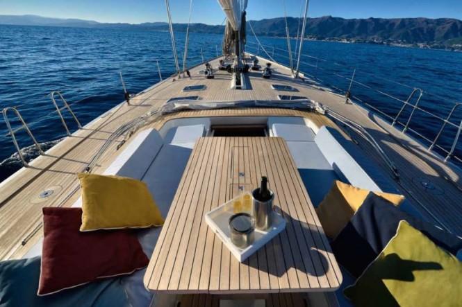 Luxury yacht TESS - Cockpit