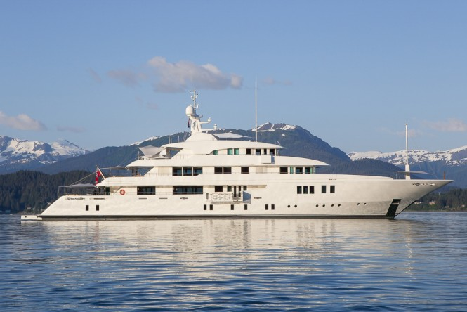 Icon Motor Yacht PARTY GIRL - Main