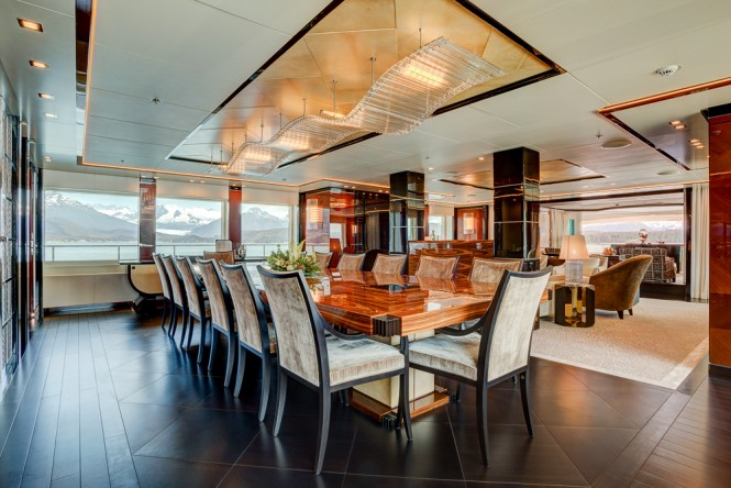 Superyacht PARTY GIRL - Formal dining and main salon