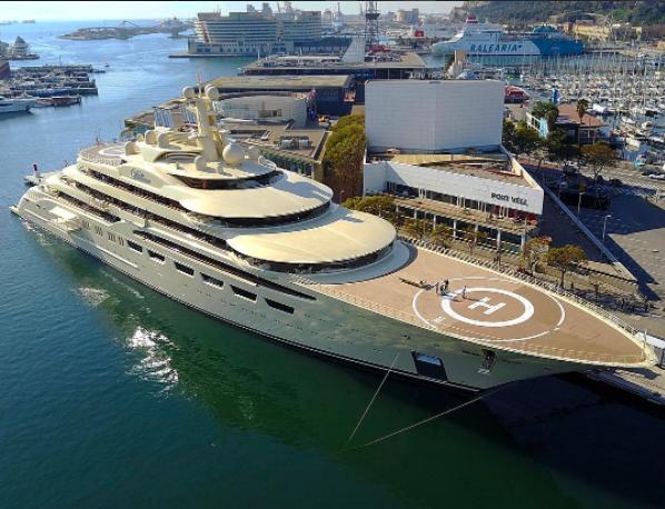 Dilbar in Barca @daniel_lrodrigues diblar