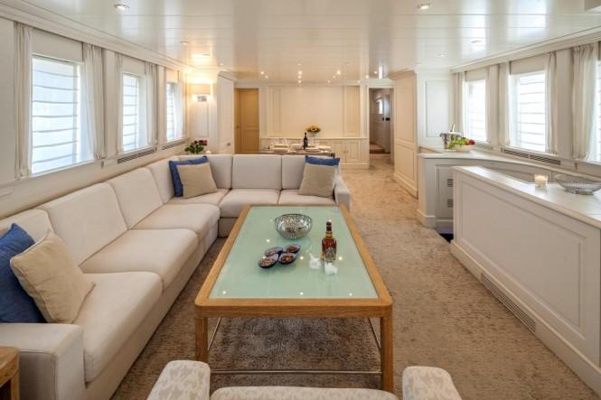 Luxury yacht HARMONYA - Salon