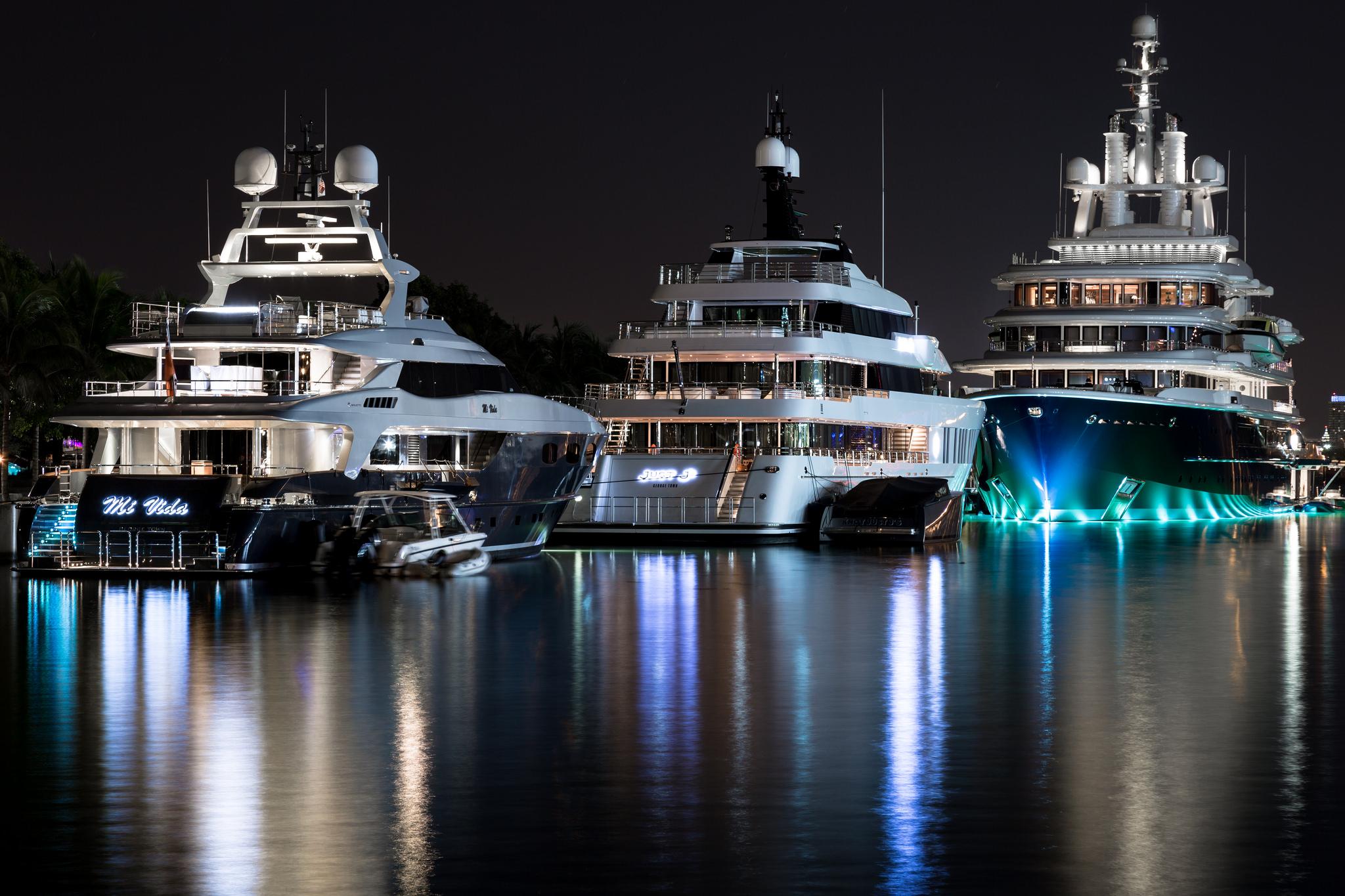 luna  u2014 yacht charter  u0026 superyacht news