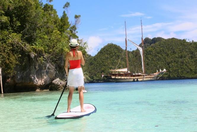 Sailing Yacht Lamima - SUP fun