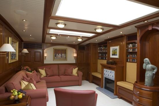 Superyacht METEOR - Main salon