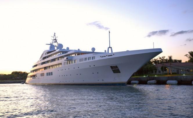Mega Yacht Dubai. Photo credit Ade Owens