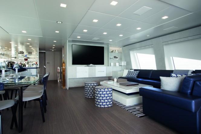 Luxury yacht H - Skylounge