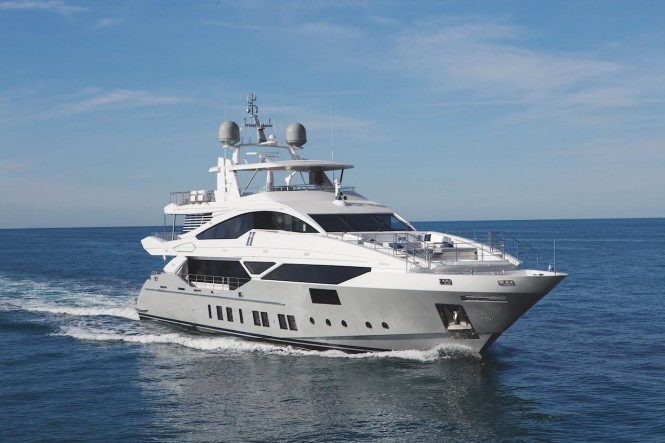 Luxury yacht H cruising - Photo courtesy of Benetti
