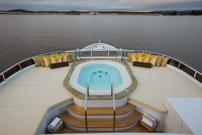 Luxury yacht SILVER LINING - Sundeck Jacuzzi and sunpads