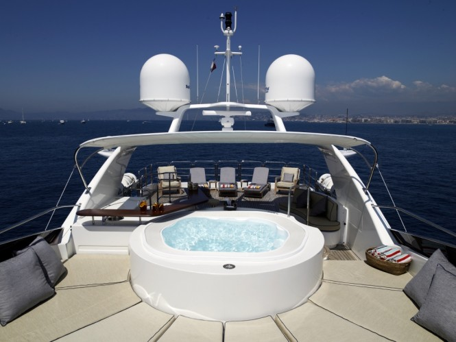 M/Y RED ANCHOR - Sundeck