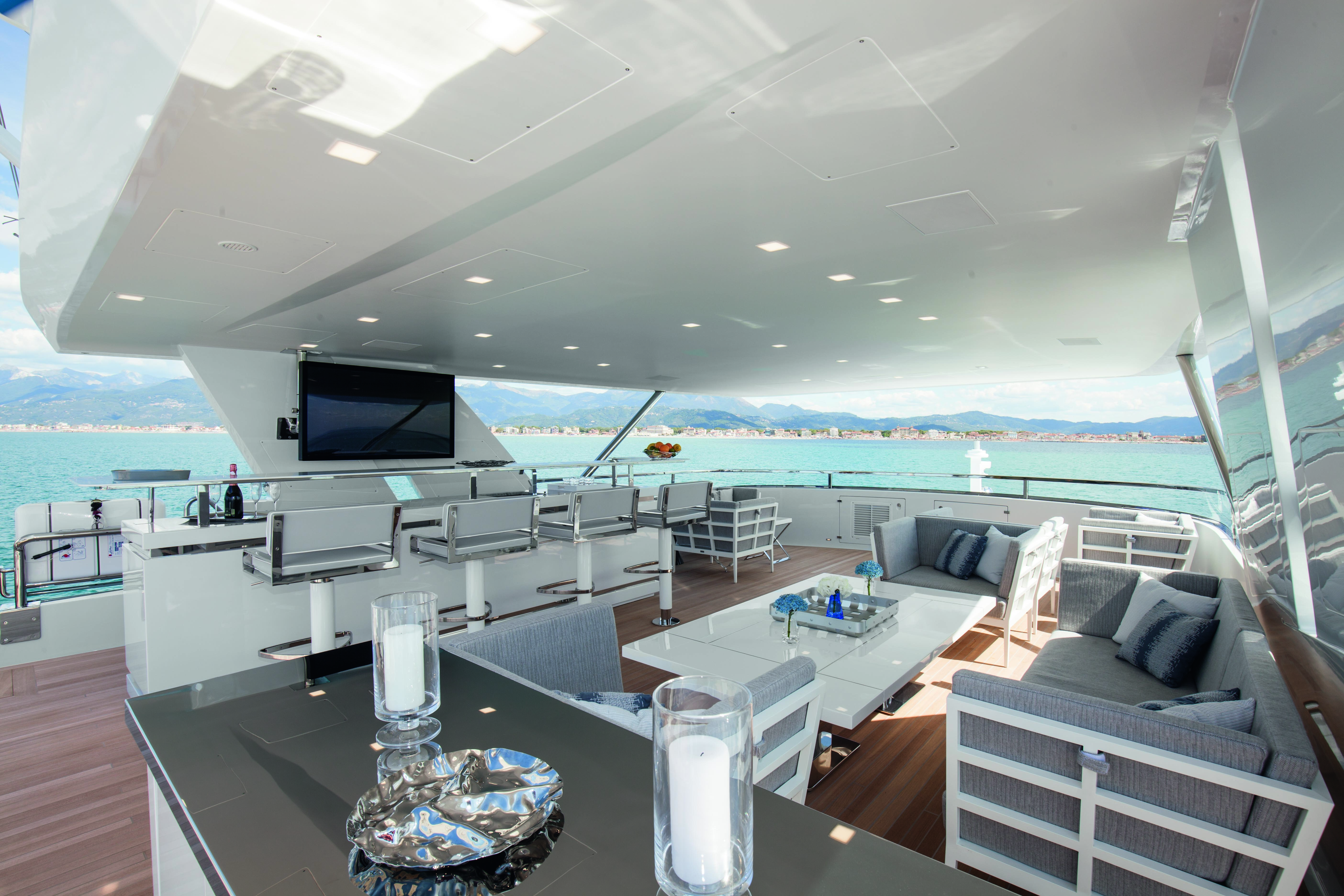 Superyacht H - Sundeck bar and lounging area