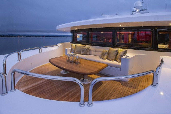 Superyacht SILVER LINING -Panoramic views from the Portuguese deck