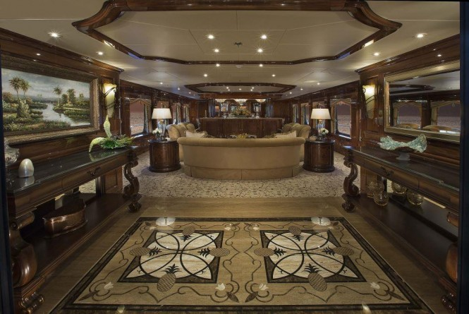 The main salon aboard superyacht SILVER LINING
