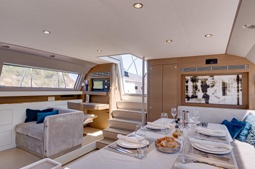 CNB sailing yacht J SIX - Salon
