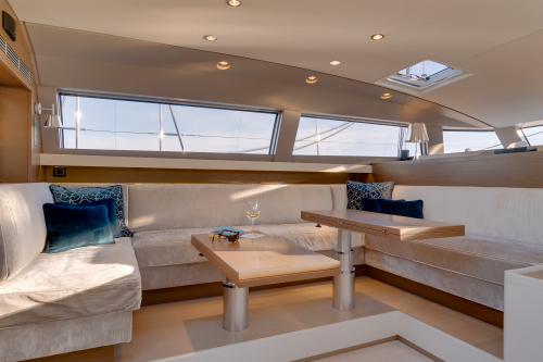 Luxury yacht J SIX - Salon