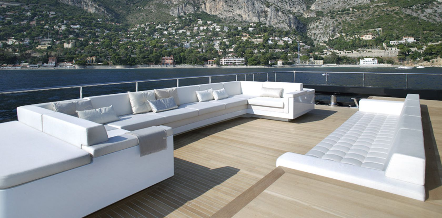 Motor yacht ICON - Outdoor lounging area