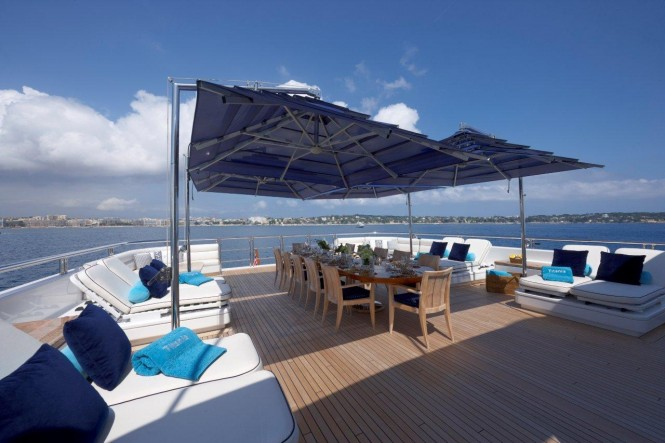 Motor yacht TITANIA - Upper deck aft alfresco dining