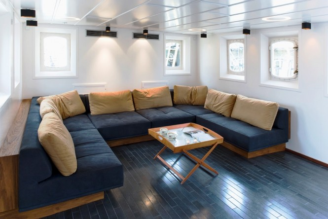 Superyacht NAVIGATOR - Salon