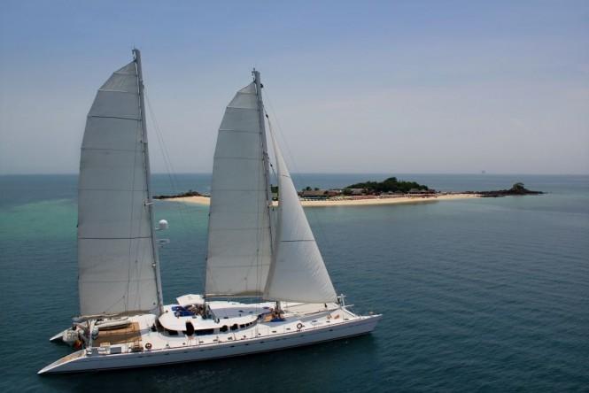 Luxury catamaran DOUCE FRANCE - Built by Alu Marine