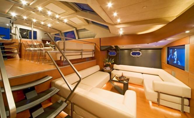 Luxury yacht YAMAKAY - Split-level salon