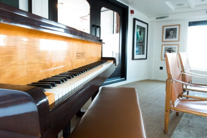 MENORCA interior with a piano - Photo credit Mare e Terra