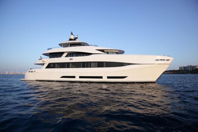 Motor catamaran QUARANTA - Built by Curvelle-Logos