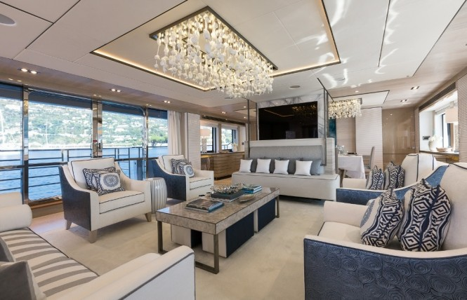 Motor yacht THUMPER - Main salon. Photo credit Sunseeker