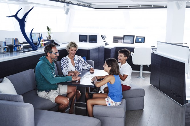 Superyacht BLUE DEER - Salon seating