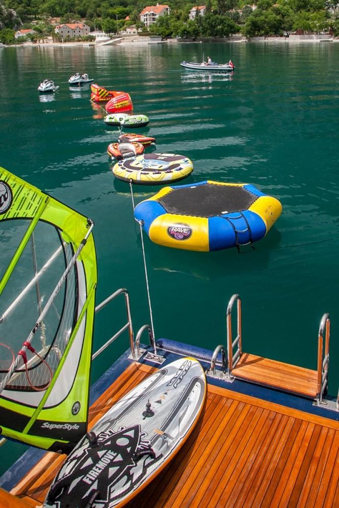 Superyacht JO - Swim platform and water toys