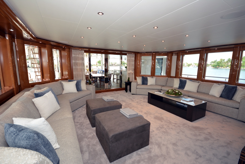 Luxury yacht AQUAVITA - Main salon