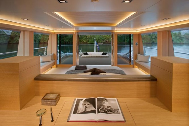 Luxury yacht BIG FISH - Master suite with views out onto the upper deck aft