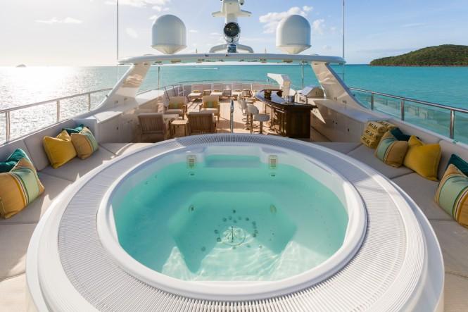 Luxury yacht MIM - Sundeck view