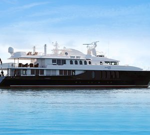 Head to the Bahamas with luxury charter yacht She's a 10