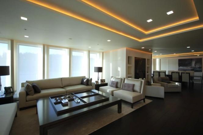 Luxury yacht SIREN - The main salon