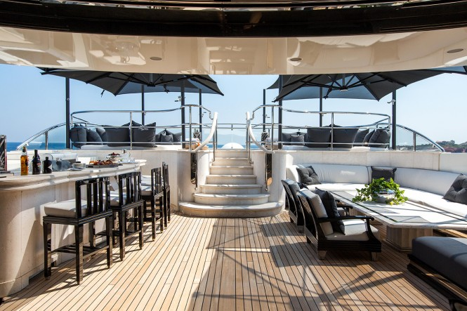 M/Y SILVER ANGEL - Bar and Jacuzzi