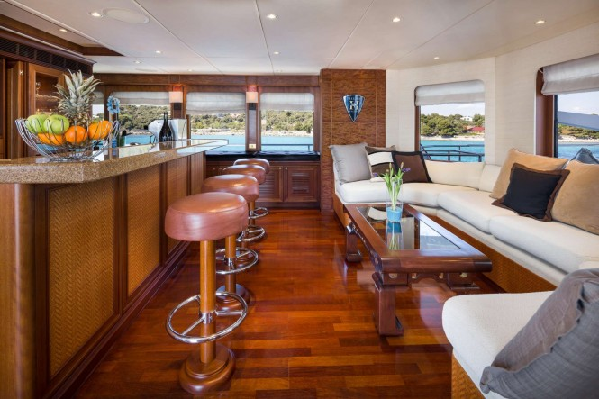 Mega yacht BRAZIL - Skylounge