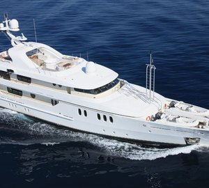 Charter luxury yacht Marla in Greece