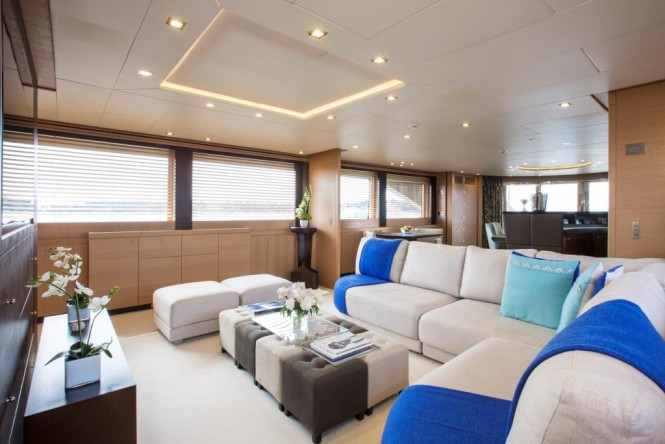 Motor Yacht MIDNIGHT SUN - Salon, formal dining area and bar