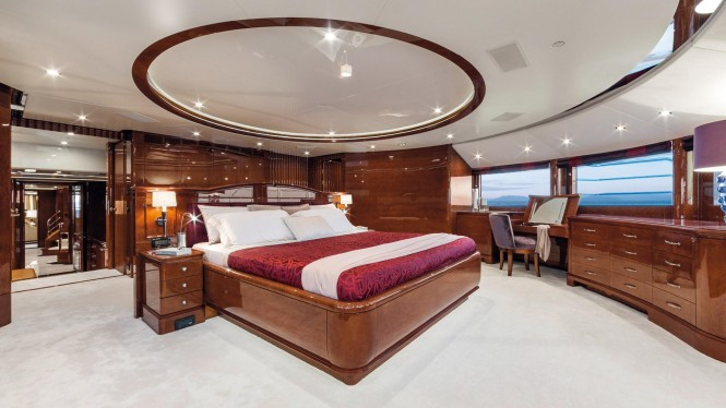 Motor yacht CHECKMATE - Master suite