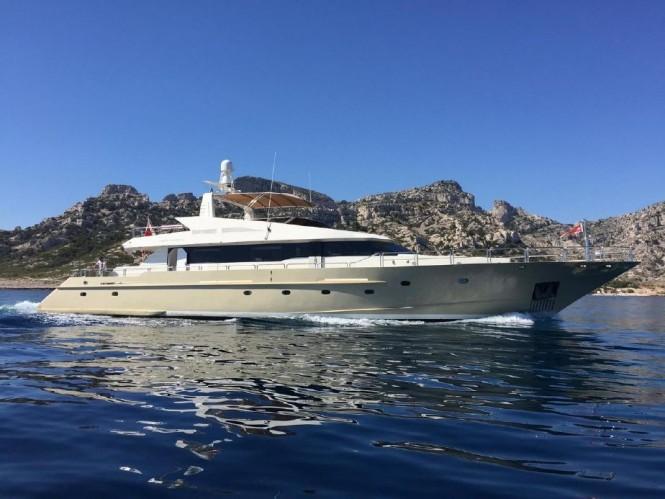 Motor yacht EVIDENCE