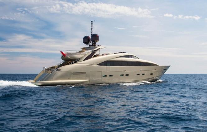 Open yacht MIDNIGHT SUN - Built by ISA Yachts